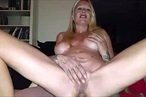Amatér MILF porno trubice